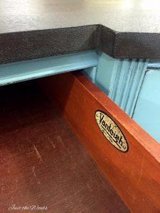 Vanleigh Furniture Company, vintage, vanleigh, duncan phyfe, vanleigh logo, vintage vanity