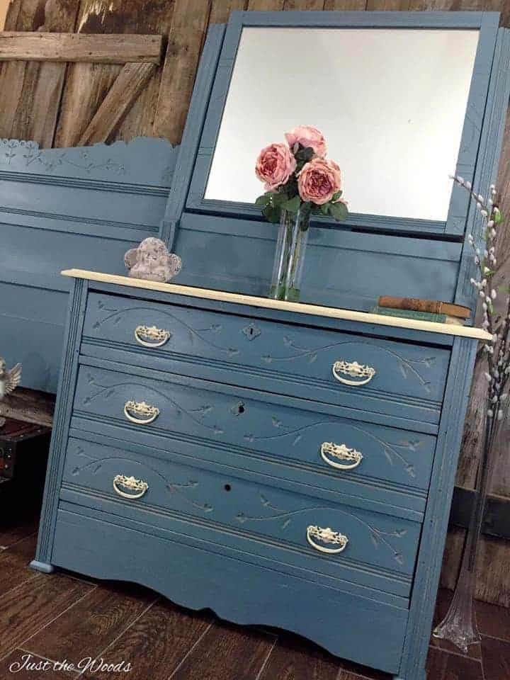 Cottage Style Painted Dresser set, painted dresser ideas, blue painted furniture, spoon carvings, vintage painted dresser