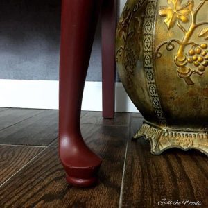 queen anne legs, painted furniture, curvy furniture, cranberry chalk paint