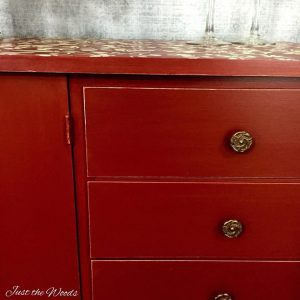 How to Wet Distress, distress paint, painted furniture, vintage, paint shows underneath