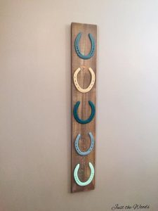 hanging horse shoes display