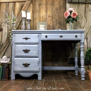 gray painted desk, distressed painted desk, distressed furniture, chalk paint,