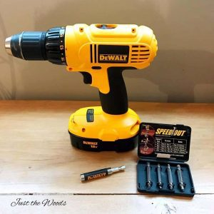 screw-extractors, dewalt drill, remove stripped screws