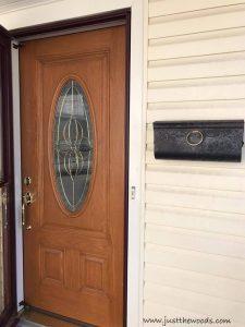 front-door-with-mailbox