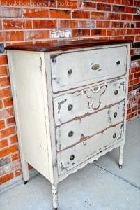 shabby-chic-chest-of-drawers-makeover