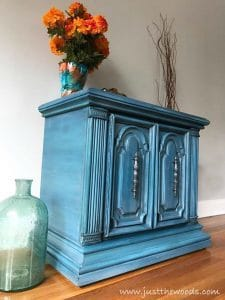 how-to-layer-chalk-paint, painted furniture, new york