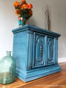 how-to-paint-layers-with-chalk-paint, painted blue furniture