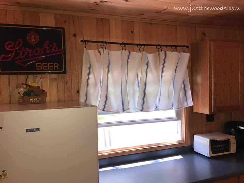 cabin decor, diy curtains, cabin curtains, easy curtains