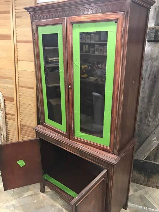 paint china cabinet, glass wont come out, cant remove glass