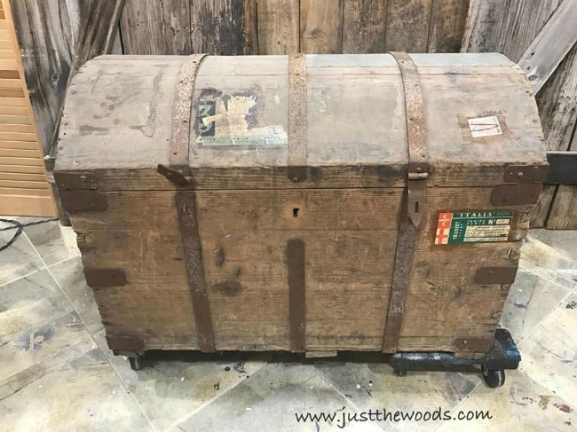 antique steamer trunk, vintage steamer, dirty old chest, wooden trunk