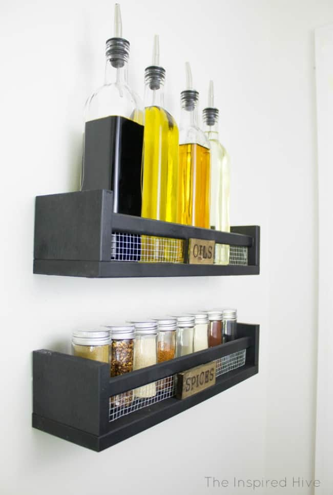 rustic decor, diy spice rack, diy kitchen projects, farmhouse spice rack