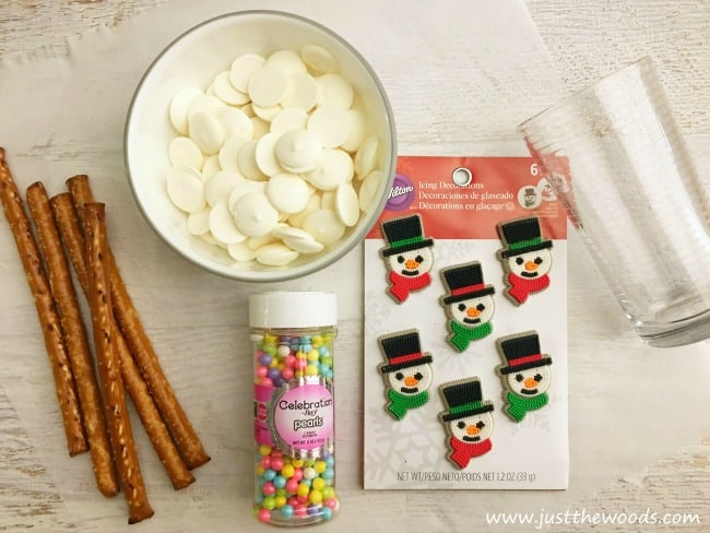 Snowman Pretzel Rods, pretzel recipe, pretzel rods, chocolate candy, christmas recipe,