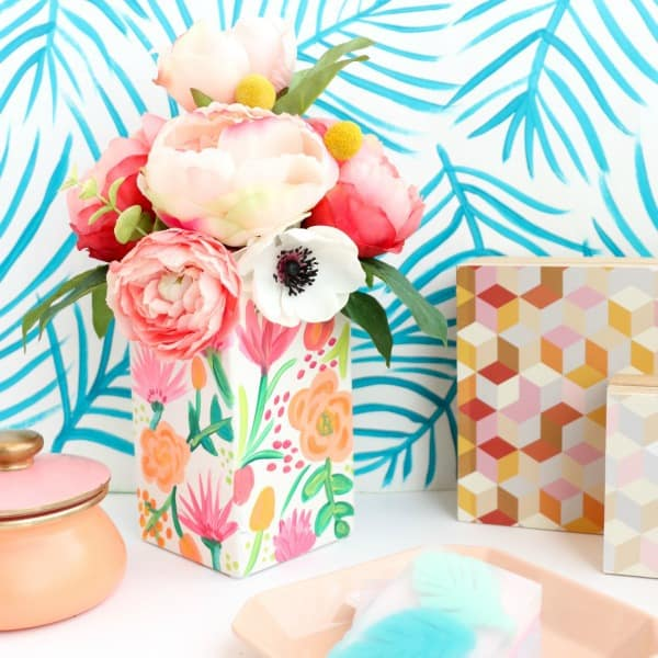 diy vases, painted flower vase, homemade vase ideas, how to decorate a flower vase, painted vase