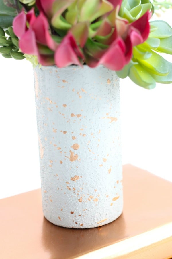 faux concrete vase, diy vases, flower vase ideas, diy flower vase
