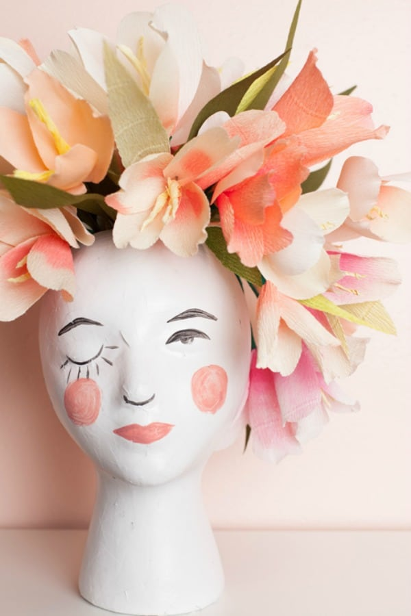 diy vase decor, head vase diy, decorate flower vase, painted flower vase