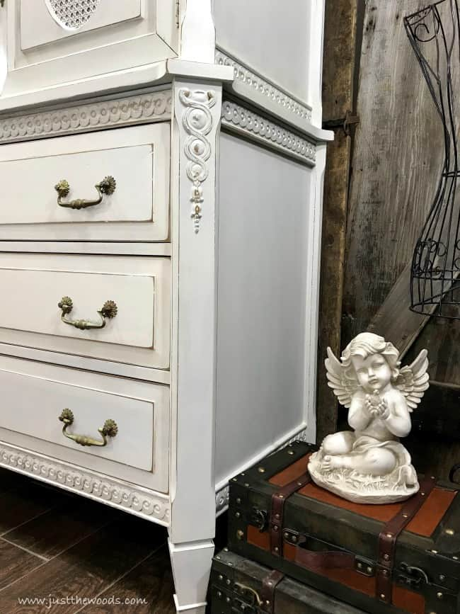 How to Distress Painted Furniture, how to paint and distress furniture, how to distress white painted furniture