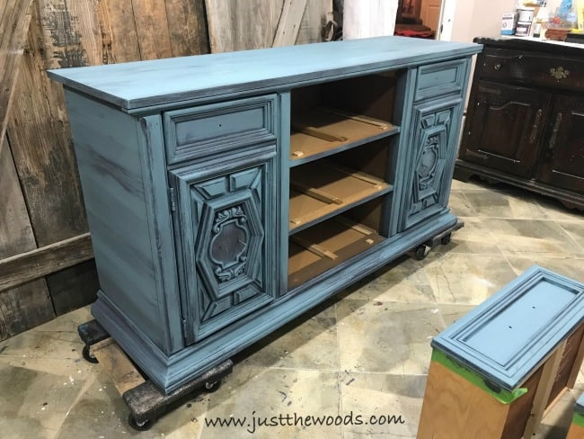 blue painted buffet, layer paint, how to blend and layer paint on furniture, blue buffet
