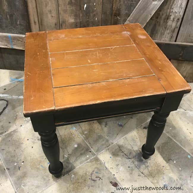 how to paint a tabletop black, farmhouse painted table, farmhouse black distressed furniture