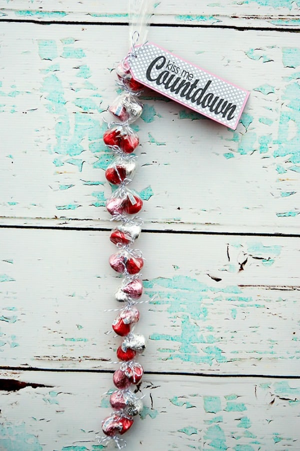 valentines day kiss countdown, valentines day craft ideas, easy valentines day crafts