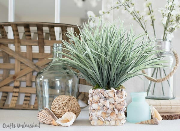 diy vases, seashell vase, homemade vase ideas, beachy diy vase, vase decoration ideas