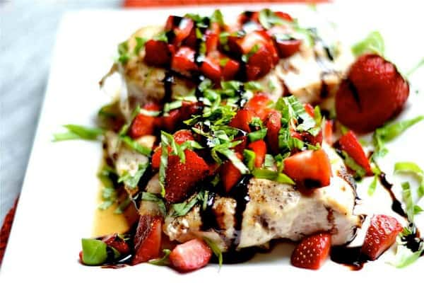 strawberry basil chicken, 25 Healthy Quick and Easy Dinner Recipes to Make at Home. Find dinner ideas, easy dinner dishes, recipes for an easy dinner, easy dinner ideas, easy dinner meals, quick easy dinner recipes, easy to make dinner recipes, easy ideas for dinner, easy dinner ideas, delicious easy dinner recipes, easy meals for dinner, healthy dinner ideas, healthy dinner recipes, fast easy dinner, easy recipe for dinner, easy dinner receipes