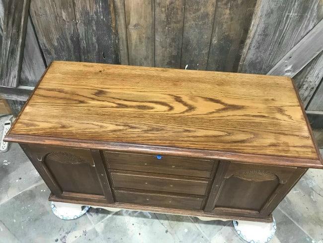 stain on cedar chest, how to refinish a lane cedar chest