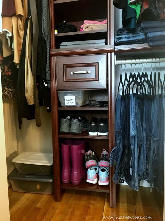 small closet organization, organizing a small closet, how to organize a small closet