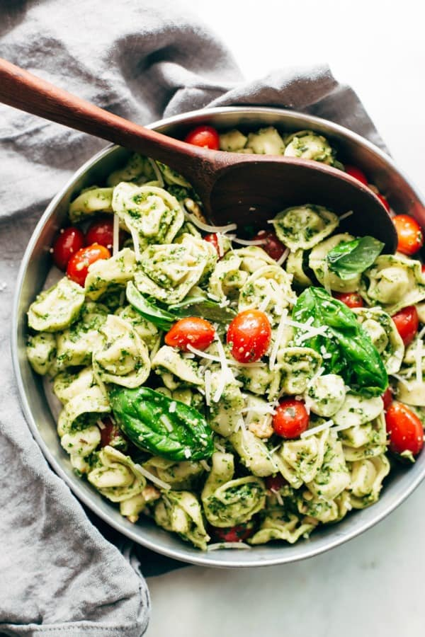 easy spinach tortellini, 25 Healthy Quick and Easy Dinner Recipes to Make at Home. Find dinner ideas, easy dinner dishes, recipes for an easy dinner, easy dinner ideas, easy dinner meals, quick easy dinner recipes, easy to make dinner recipes, easy ideas for dinner, easy dinner ideas, delicious easy dinner recipes, easy meals for dinner, healthy dinner ideas, healthy dinner recipes, fast easy dinner, easy recipe for dinner, easy dinner receipes