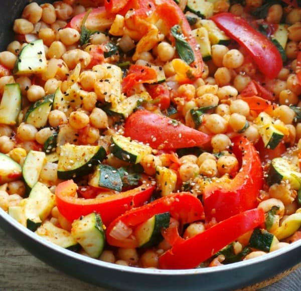 chickpea stew, 25 Healthy Quick and Easy Dinner Recipes to Make at Home. Find dinner ideas, easy dinner dishes, recipes for an easy dinner, easy dinner ideas, easy dinner meals, quick easy dinner recipes, easy to make dinner recipes, easy ideas for dinner, easy dinner ideas, delicious easy dinner recipes, easy meals for dinner, healthy dinner ideas, healthy dinner recipes, fast easy dinner, easy recipe for dinner, easy dinner receipes