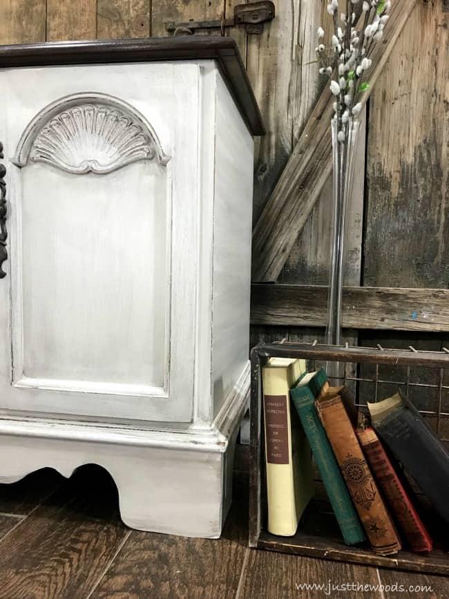 glazed painted cedar chest, lane hope chest, painted hope chest, chalk painted cedar chest