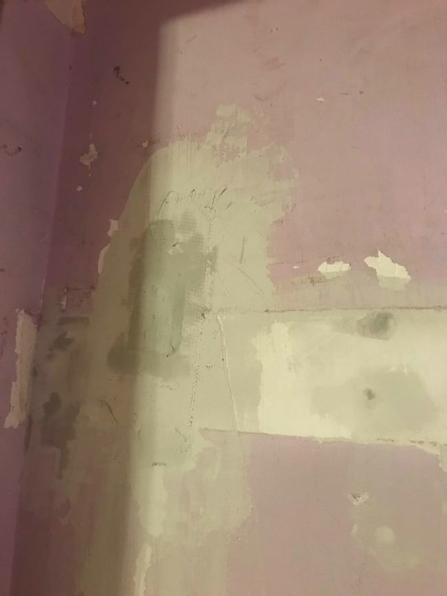 repair hole in drywall