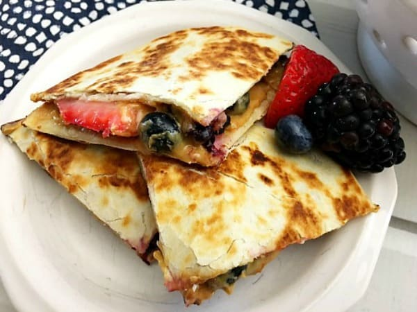 healthy breakfast quesadilla, healthy breakfasts, easy breakfast options, breakfast recipes