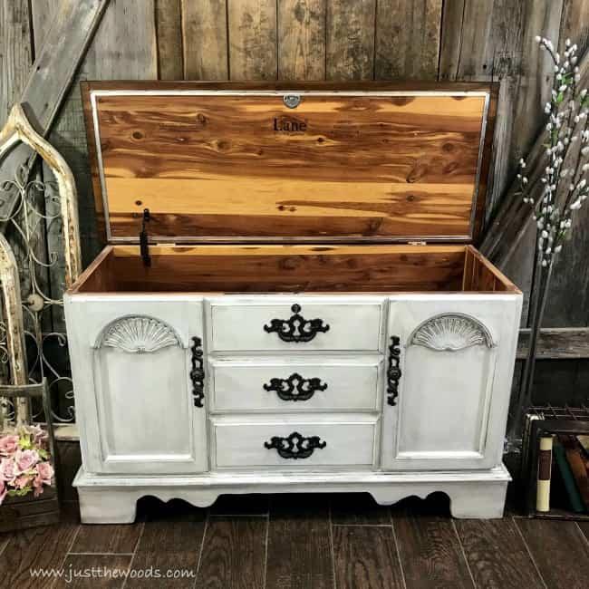 painted lane cedar chest, painted cedar chest, how to refinish a cedar chest, cedar chest refinish