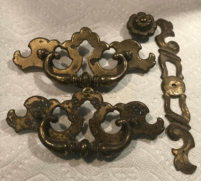 vintage hardware, painting old hardware
