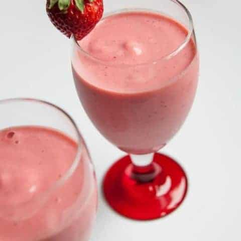 Simply Delicious Strawberry Banana Protein Smoothie