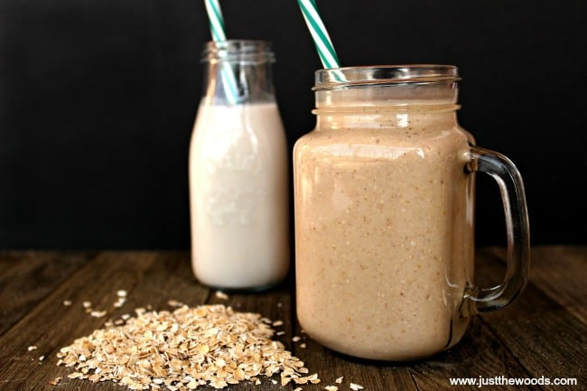 easy banana almond milk smoothie, almond milk smoothie recipes, banana almond smoothie