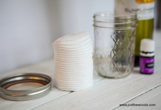 DIY Makeup Remover Pads, essential oil makeup remover, diy makeup remover