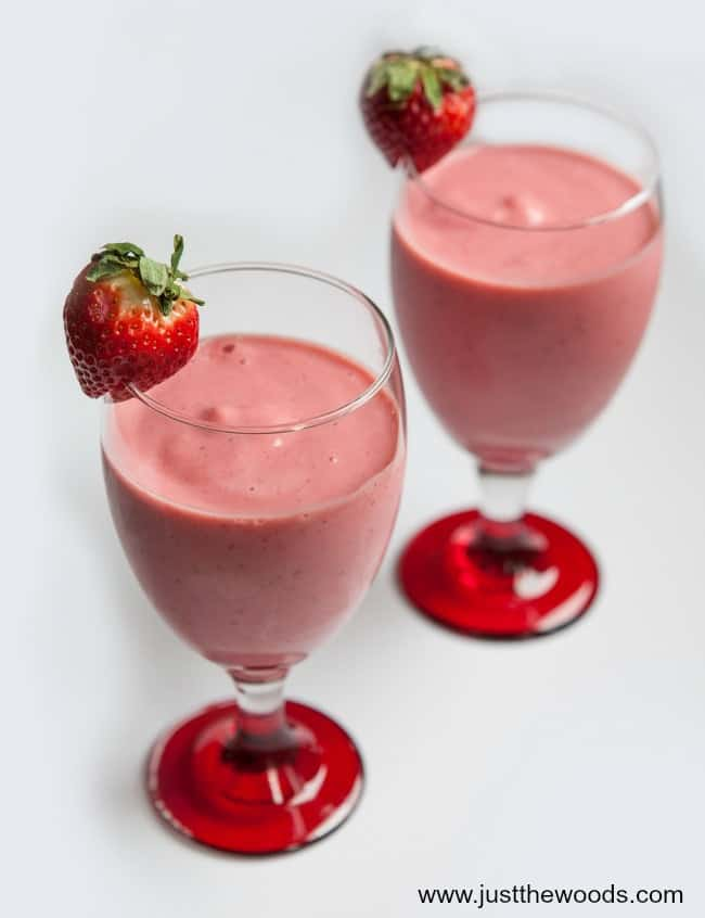 Strawberry Banana Protein Smoothie, fruit protein smoothie, strawberry protein smoothie