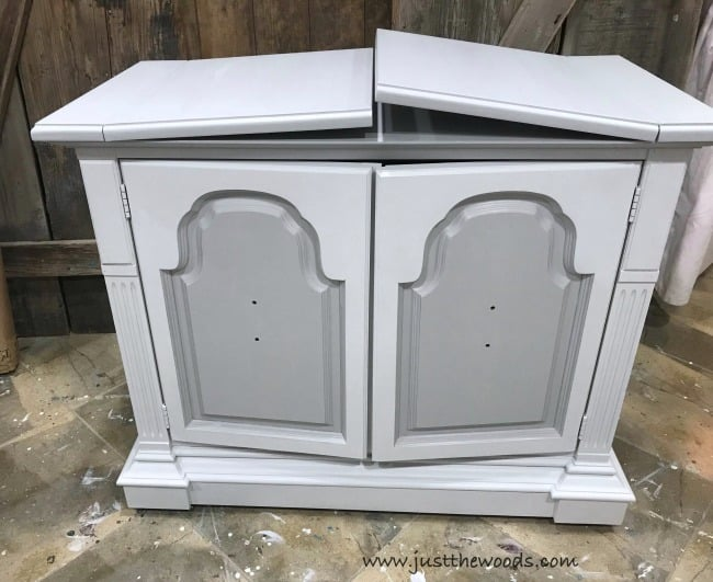 Two Tone Painted Furniture Part Painted Furniture Makeover Painted Furniture Ideas Chalk Painted Furniture Ideas How To Paint Furniture Just The Woods Llc How To Give Your Furniture Makeover That Extra Wow Factor