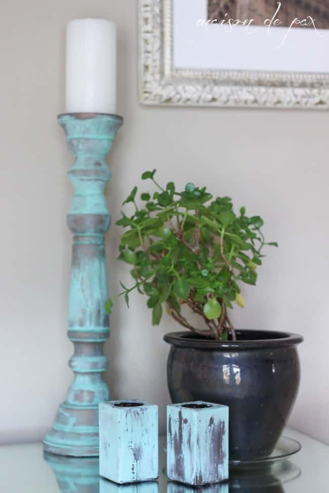 green patina, blue patina, Patina paint projects are perfect for those who love that aged patina effect. Not everyone loves shiny and new. Some of us are more drawn to old things. Patina paint can be used to age your furniture and create a worn metallic finish. Use a patina paint job on your next DIY creation for a worn aged look. #patinapaint #patinapaintjob #copperpatinapaint