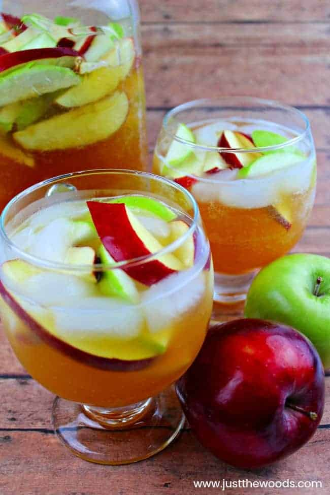 apple cider sangria, fall sangria recipe, fall sangria with apple cider