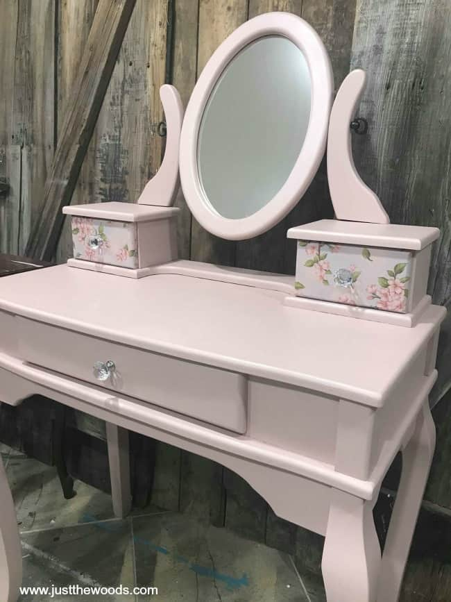 pearl paint on vanity, chalk painted vanity, little girls vanity, painted furniture