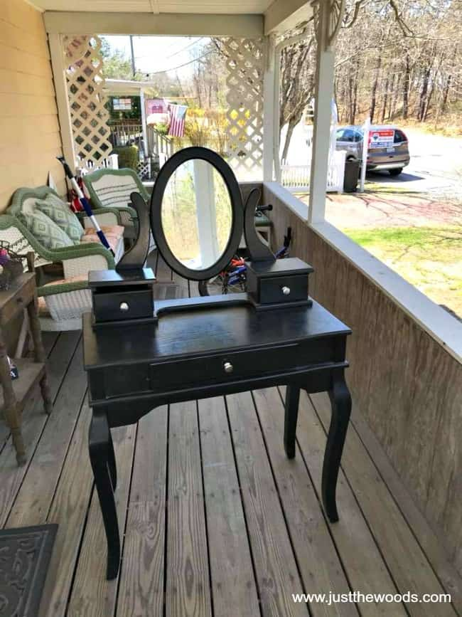 trash to treasure little girls vanity, black vanity