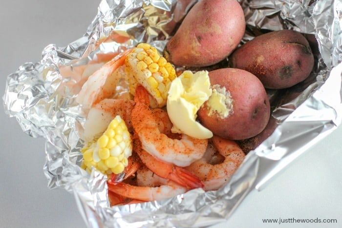 how to cook shrimp on the grill, cooking shrimp on the grill, shrimp foil packets, foil packet recipe
