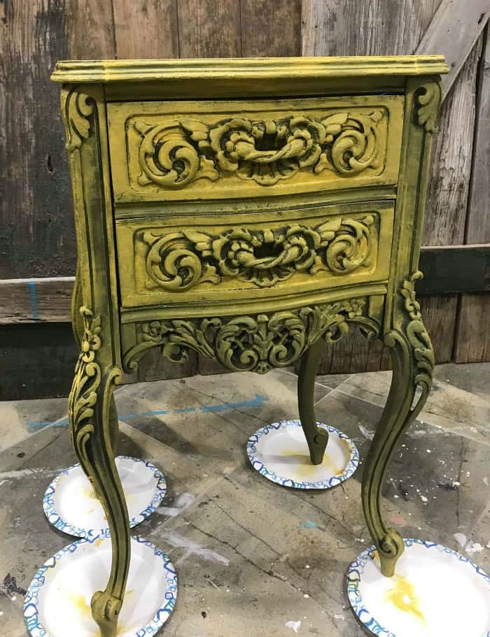 painting wood furniture ideas, yellow chalk paint, chalk painted table