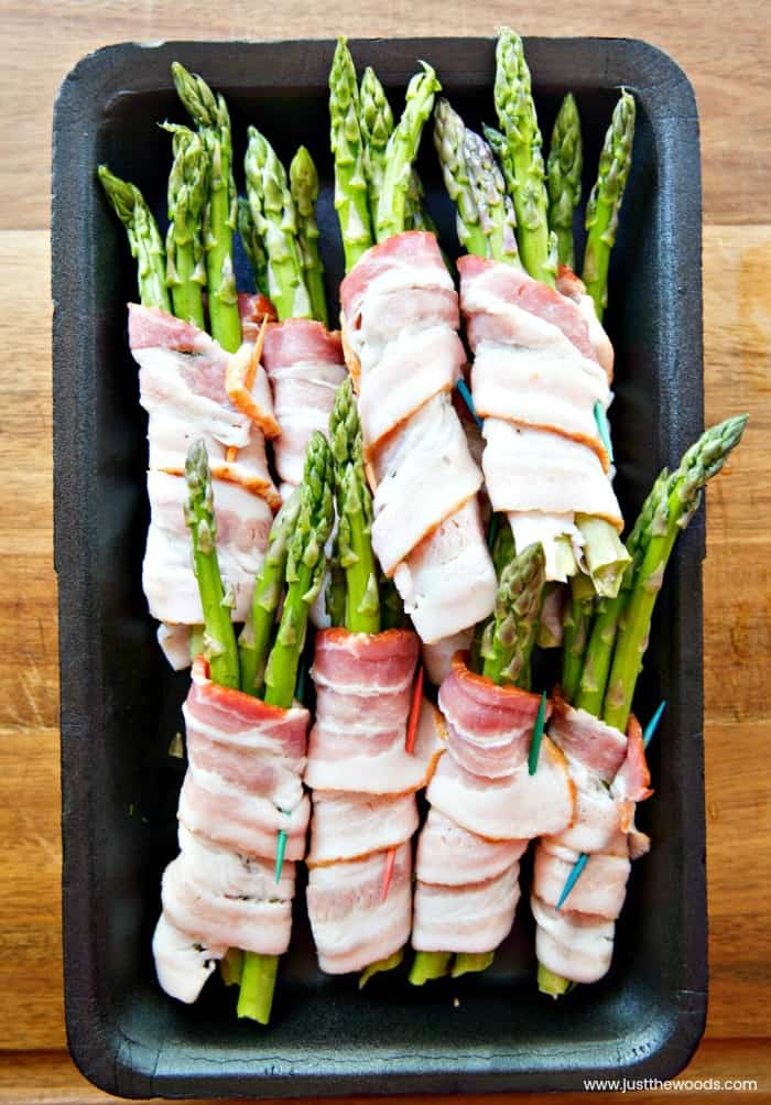 bacon wrapped asparagus bundles, grilled bacon wrapped asparagus recipe