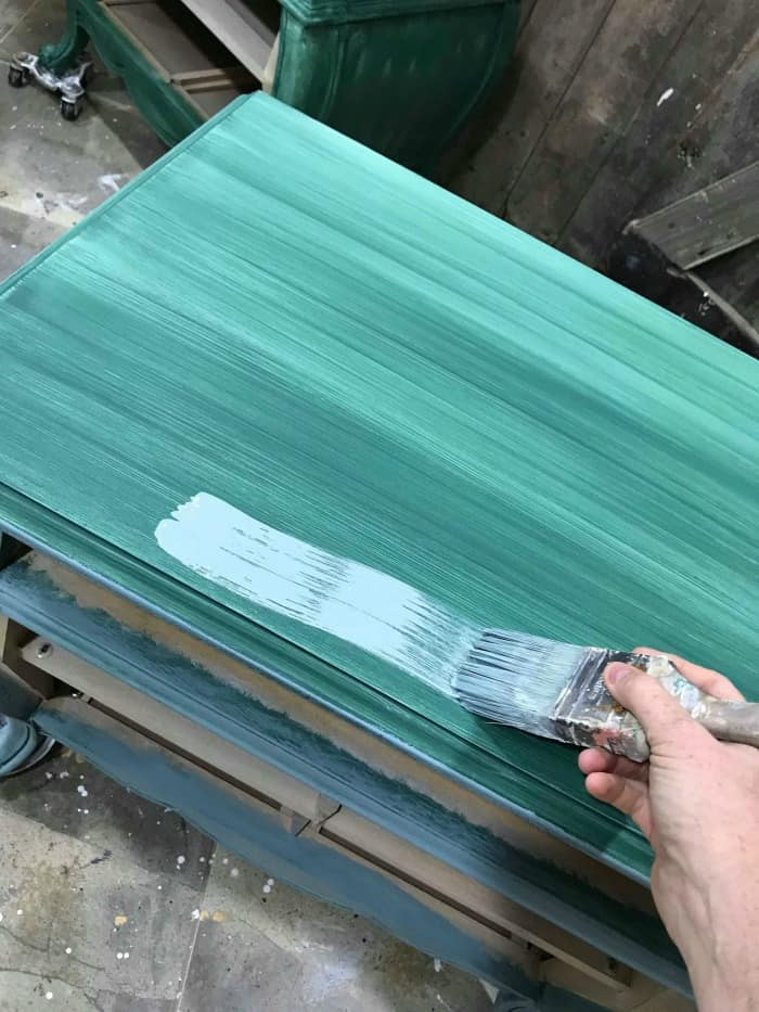 painting light blue over green, how to paint wood furniture, furniture makeover, chalk painting furniture, how to chalk paint