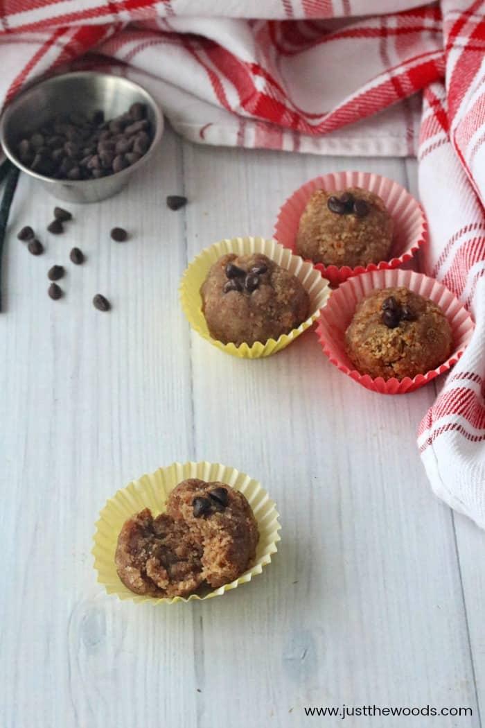 cake balls, vanilla cake balls recipe, cake ball recipe, making cake balls, cake balls in muffin cups