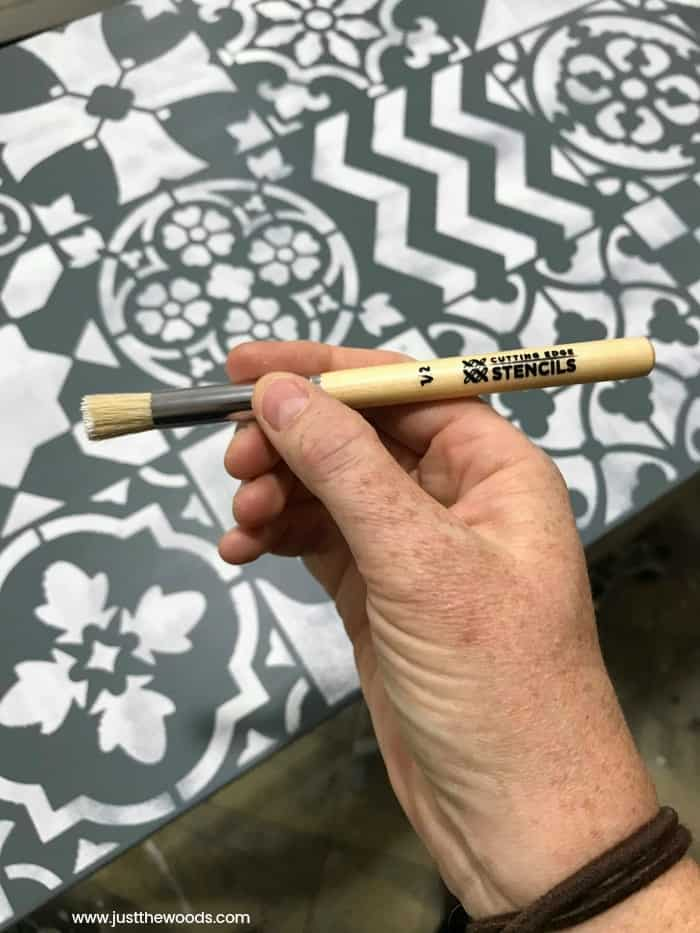 cutting edge stencils, stencil brush, small stencil brush,