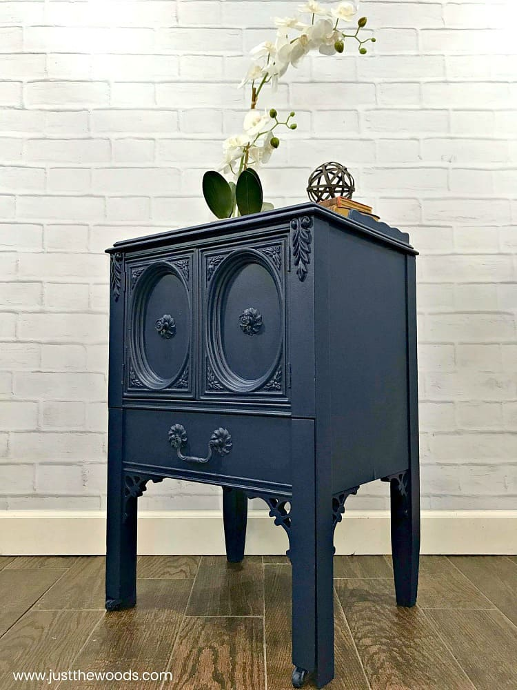 ornate painted table, blue painted table, best paint sprayer, painting furniture with paint sprayer